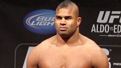 Alistair-Overeem-UFC-156-weigh