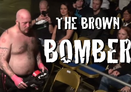 GUY POOPS HIMSELF IN MMA FIGHT