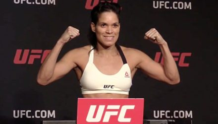 Amanda Nunes UFC 207 on scale