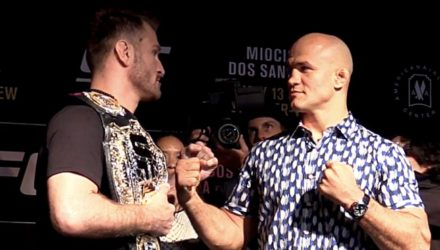 UFC 211 Stipe Miocic vs Junior dos Santos Face-Off