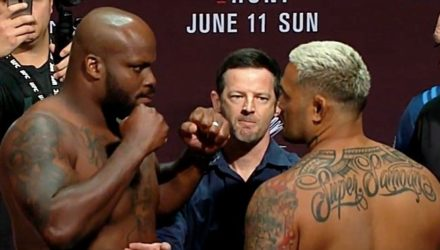 Derrick Lewis vs Mark Hunt weigh-in