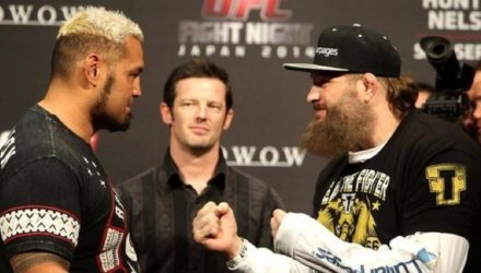 Mark Hunt vs Roy Nelson Weighins