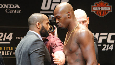 Daniel Cormier vs Jon Jones - UFC 214