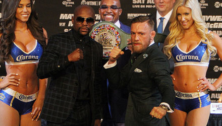 Floyd Mayweather vs Conor McGregor face off