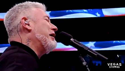 Everlast performs at UFC 216