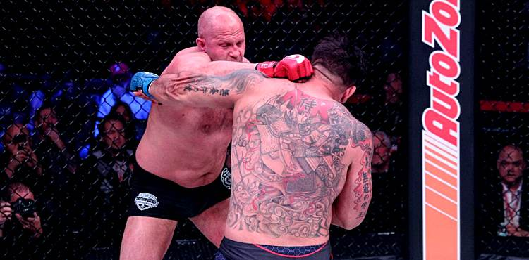 Fedor Emelianenko knocks out Frank Mir at Bellator 198