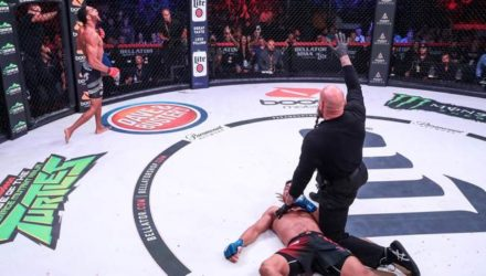 AJ McKee lays out John Teixeira at Bellator 205