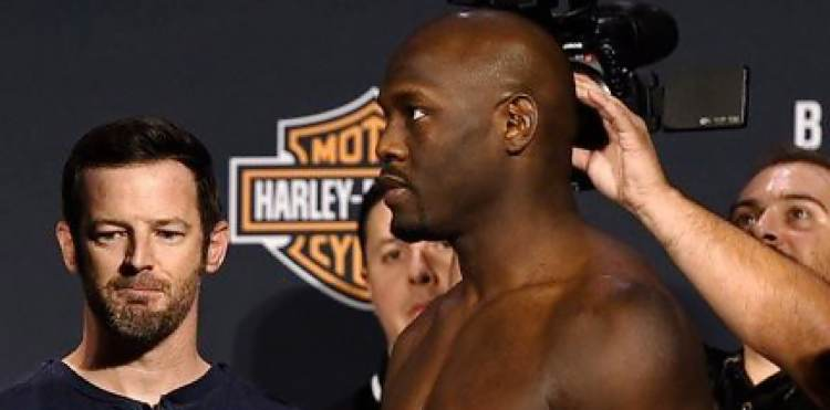 Jared Cannonier TUF 24 Finale weigh-in