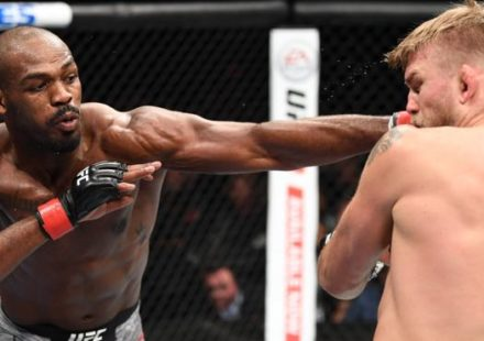 Jon Jones rocks Alexander Gustafsson at UFC 232