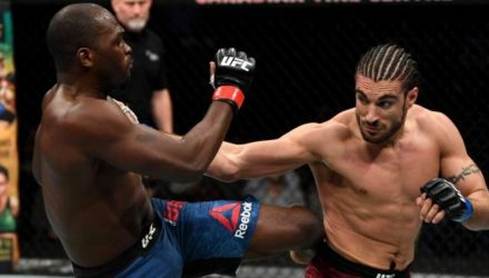 Derek Brunson defeats Elias Theodorou at UFC Ottawa