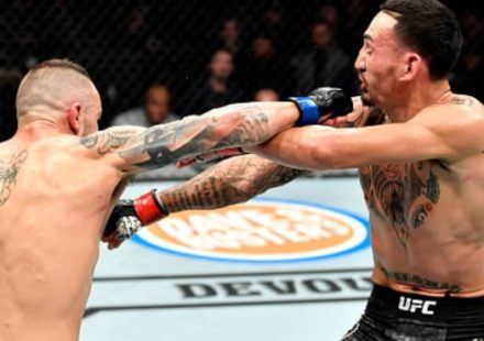 Alexander Volkanovski rocks Max Holloway at UFC 245