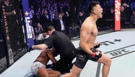 Korean Zombie lays out Frankie Edgar at UFC Busan