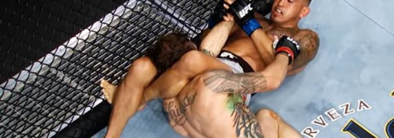 Anthony Pettis submits Michael Chiesa