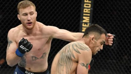 Justin Gaethje defeats Tony Ferguson at UFC 249