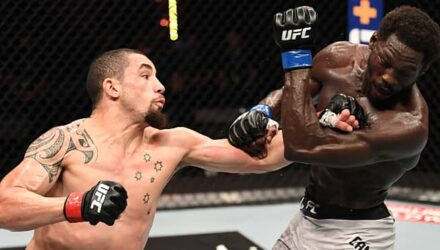 Robert Whittaker cracks Jared Cannonier at UFC 254