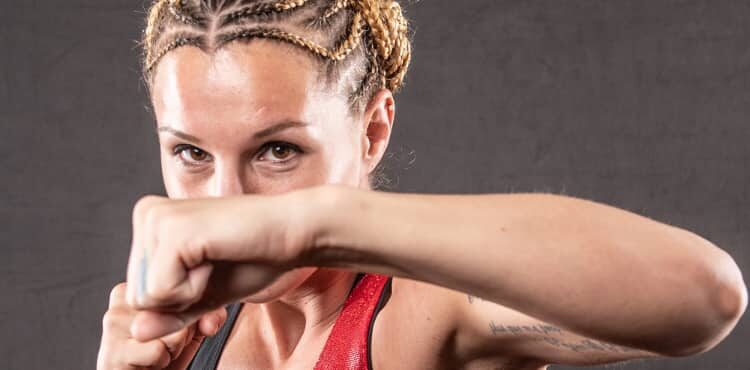 <p>Knockout Radio Including Din Thomas and Bare Knuckle Boxer Britain Hart thumbnail